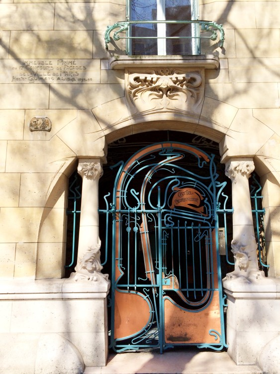 Fachada-art-nouveau-castel-beranger-30joursaparis