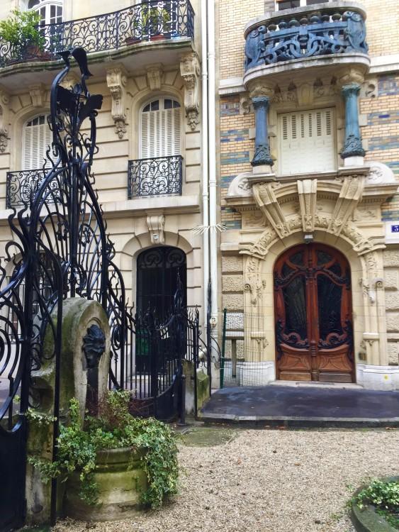 Fachada-art-nouveau-square-rapp-paris-30joursaparis