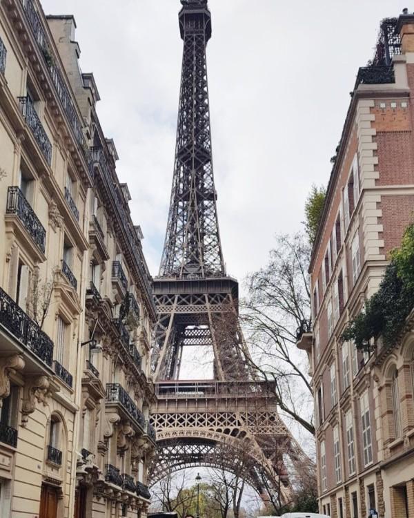 Novos-angulos-torre-eiffel-rue-de-l-universite-30jursaparis
