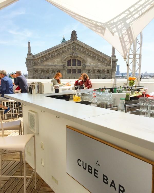 Rooftop-Galeries-Lafayette-cube-bar-30joursaparis-e1529509350411.jpg