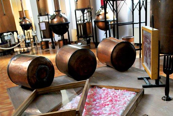Destiladores no Museu Molinard, em Grasse, na Provence.