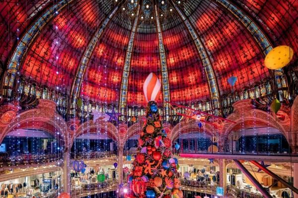 Decoração de Natal 2020 nas Galeries Lafayette.